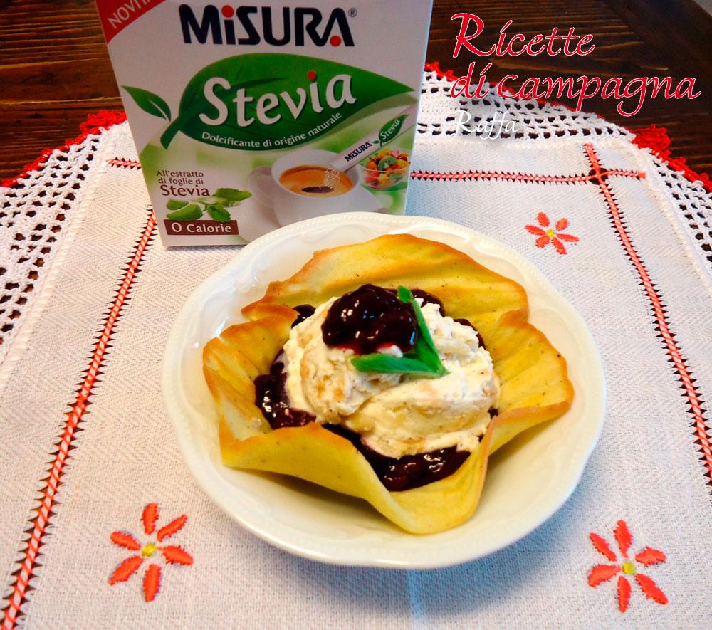 cestini di ciliegie e gelato alla cannella con stevia