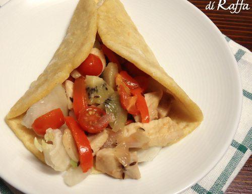 Tacos di pollo con kiwi