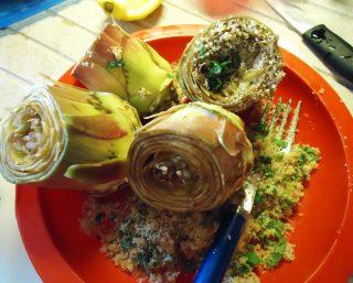 Carciofi in pentola ripieni con pangrattato, aglio fresco e mentuccia - ripieno