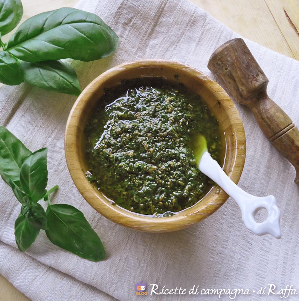 Pesto al basilico fatto in casa
