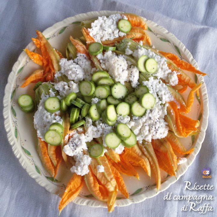 Fiori di zucca ripieni di ricotta e pinoli con salsa al parmigiano - piatto sopra