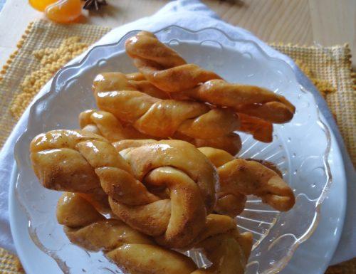 Treccine fritte alle clementine