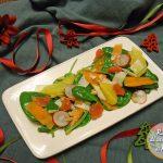 Insalata di spinacini agli agrumi con pinoli