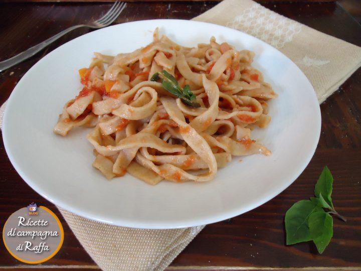 Tacconi: tagliatelle con farina di fave
