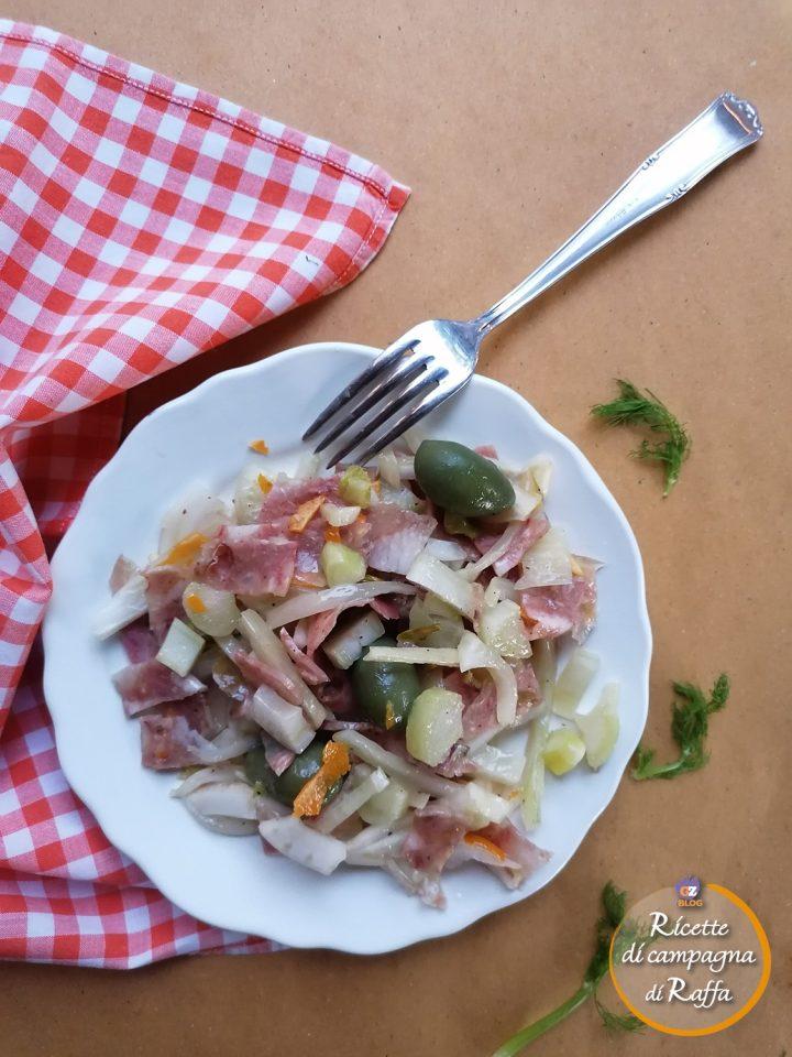 Insalata di coppa con finocchi e olive