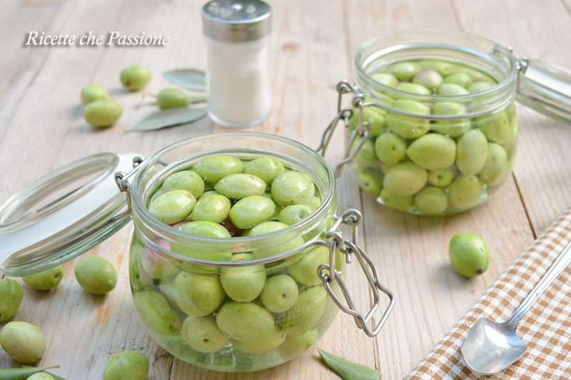 Olive in Salamoia ricetta calabrese