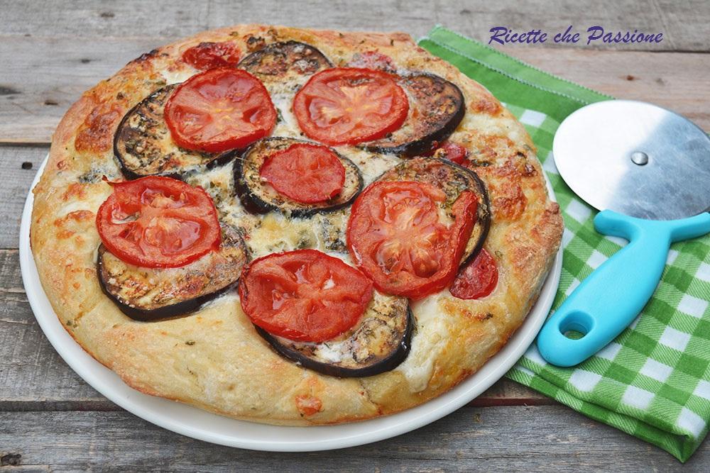 Pizza Parmigiana con Pane di Patate