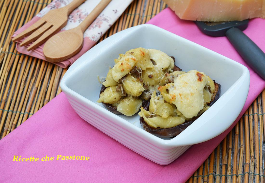 Barchette di melanzane ripiene di pasta