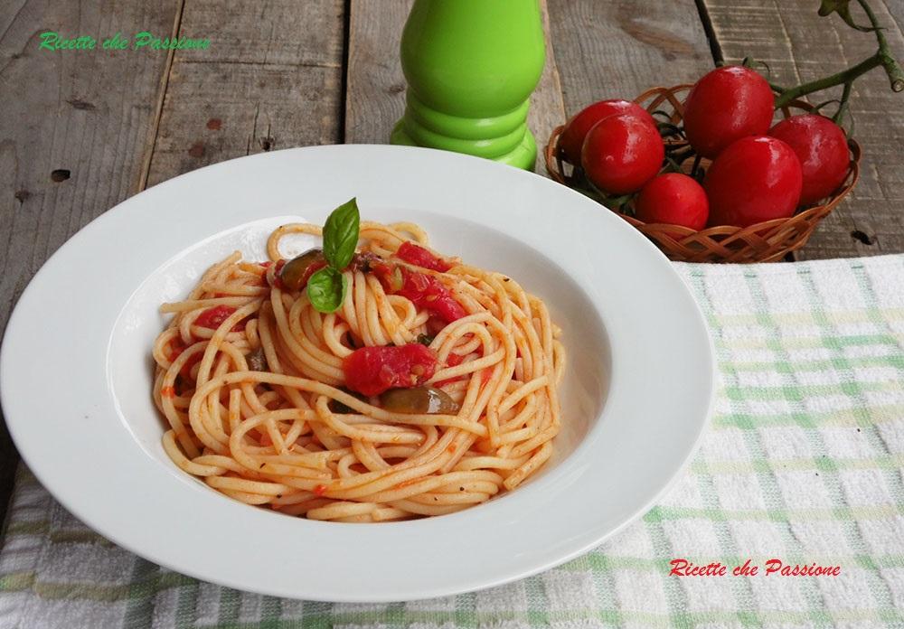 Spaghetti Olive e Capperi all'Eoliana