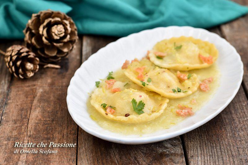 Ravioli al Salmone con Crema di Patate