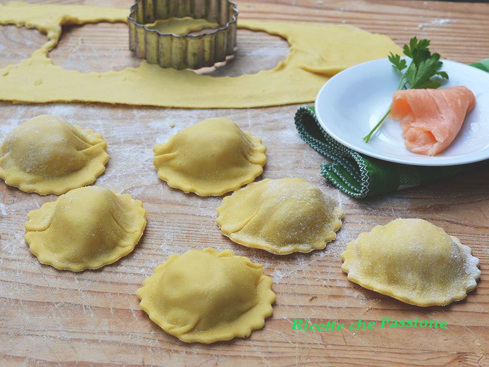 Ravioli al Salmone Affumicato Fatti in Casa