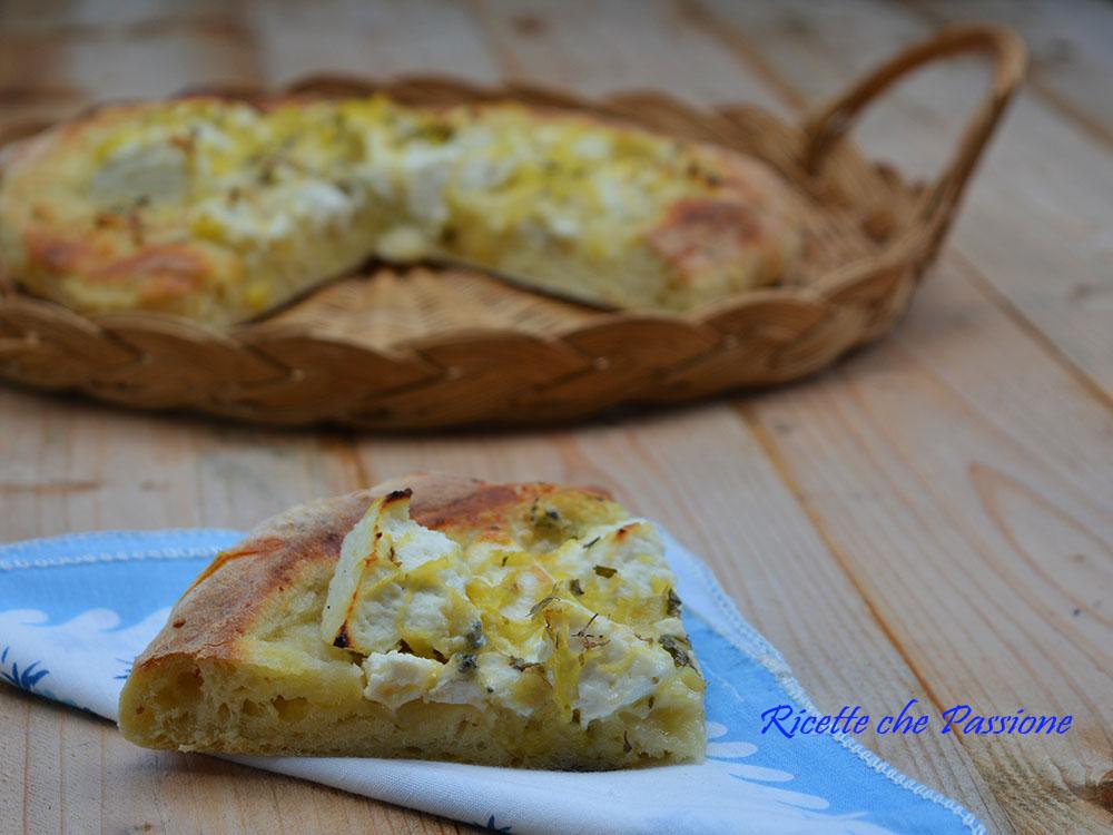 Pizza Ricotta e Gorgonzola con Pan di Patate