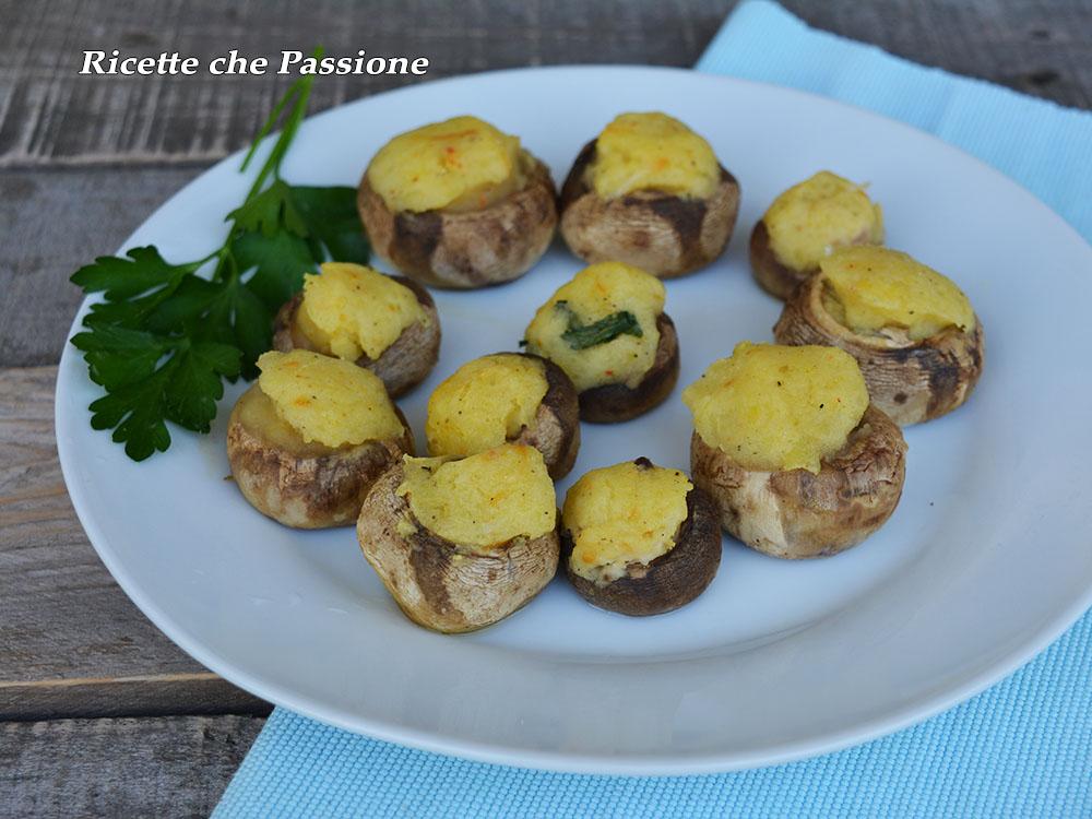 Funghi ripieni con patate alla paprika
