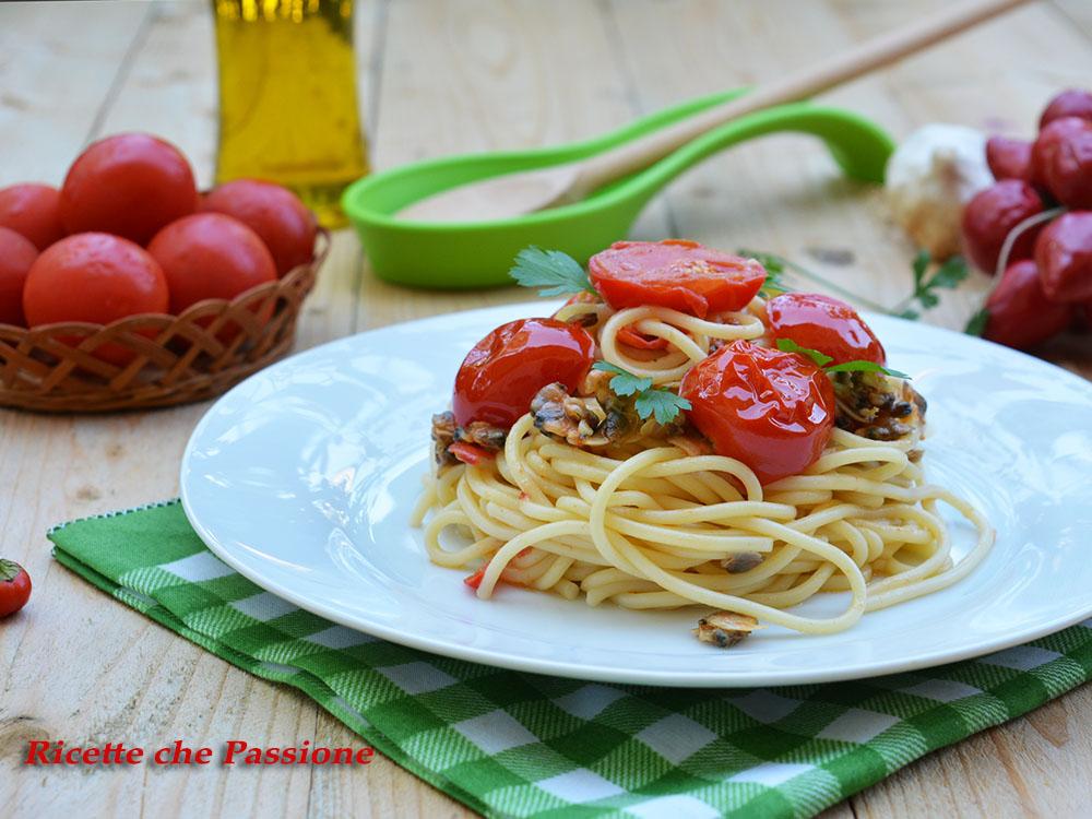 Spaghetti alle vongole con pomodorini