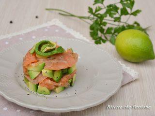 Antipasto avocado e salmone