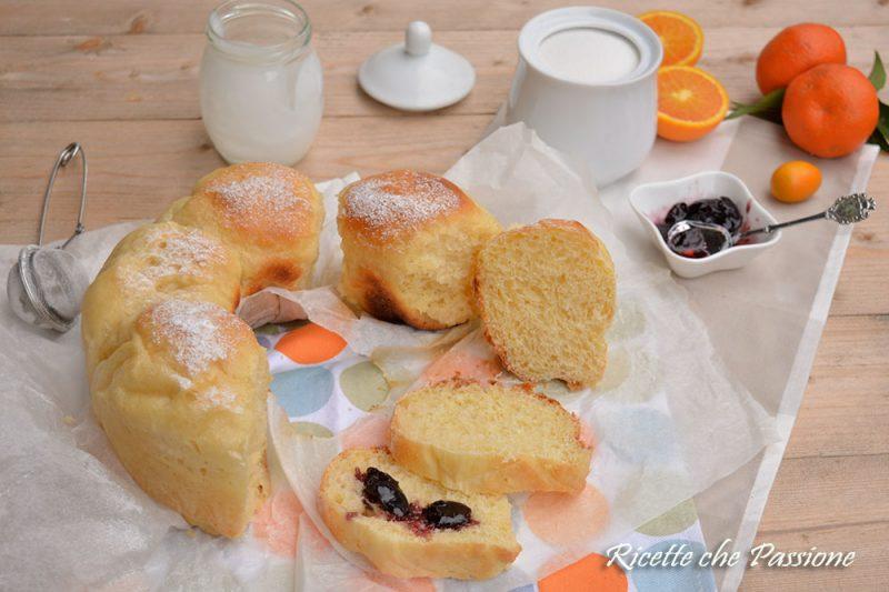 Ciambella di Pan Brioche allo Yogurt nel Fornetto Versilia