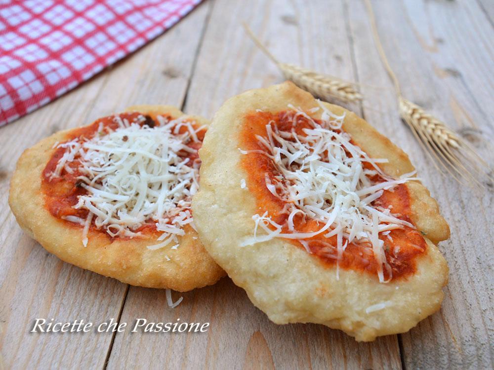 Pizza Fritta Montanara Napoletana