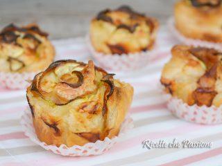 Rose di sfoglia salate con bacon zucchine e scamorza affumicata