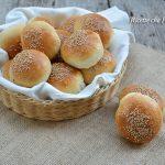Panini da buffet al sesamo rosticceria siciliana