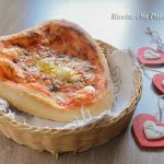 Pizza cuore San Valentino a lenta lievitazione