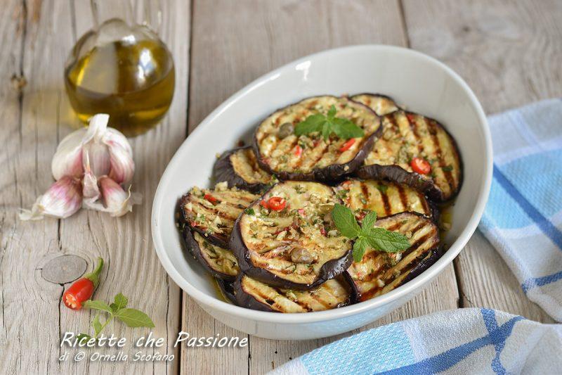 Melanzane grigliate marinate in modo gustoso