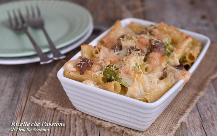 Pasta con broccoli e salsiccia gratinata