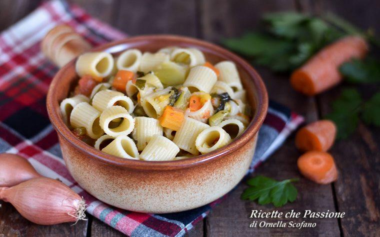 Pasta con minestrone in brodo o cremosa