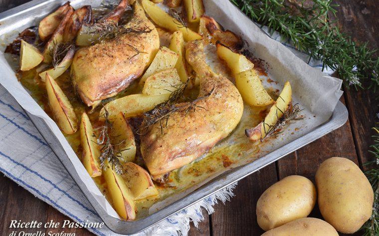 Cosce di pollo al forno con patate al rosmarino