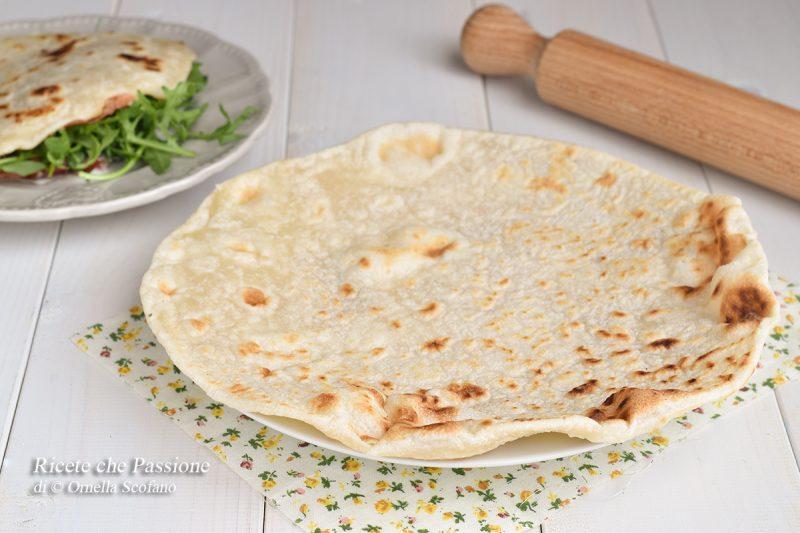 Piadina romagnola – La ricetta con lo strutto