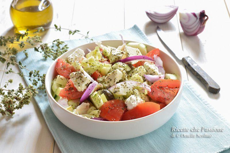 Insalata greca – Tradizional Greek Salade Recipe
