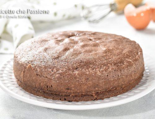 Pan di spagna al cacao senza lievito