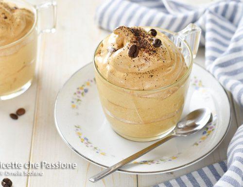 Crema fredda di caffè all'acqua più leggera