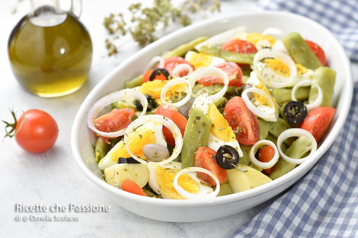 ricetta insalata di fagiolini e uova sode con cipolla rossa di Tropea