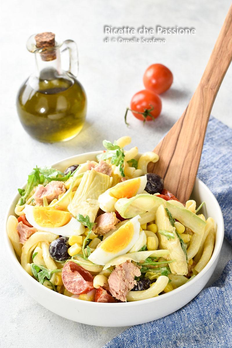 come fare insalata di pasta fredda ricca di sapore, gustosa, idee originali