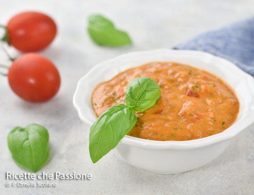 Pesto di pomodori e basilico con noci