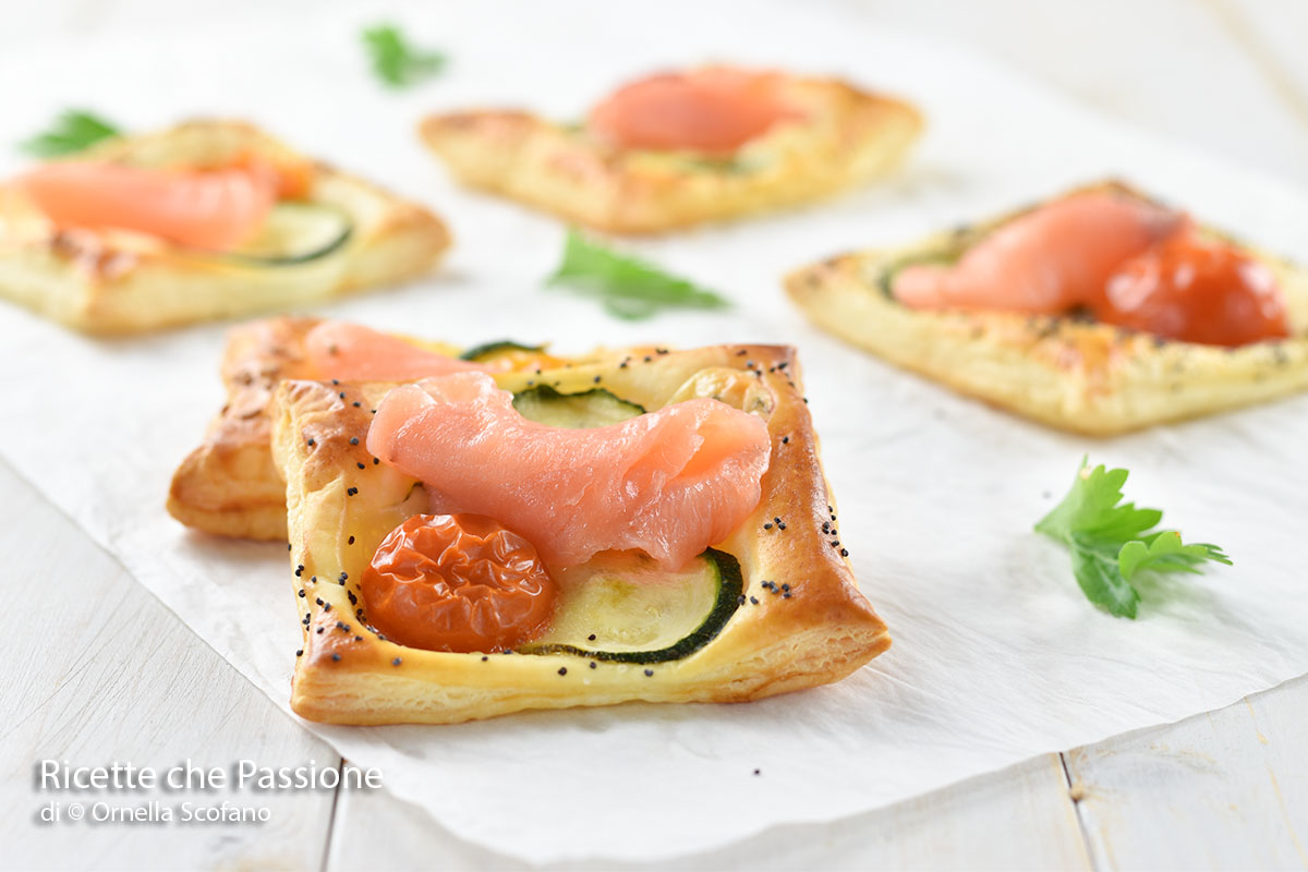 ricetta sfogliatine al salmone affumicato