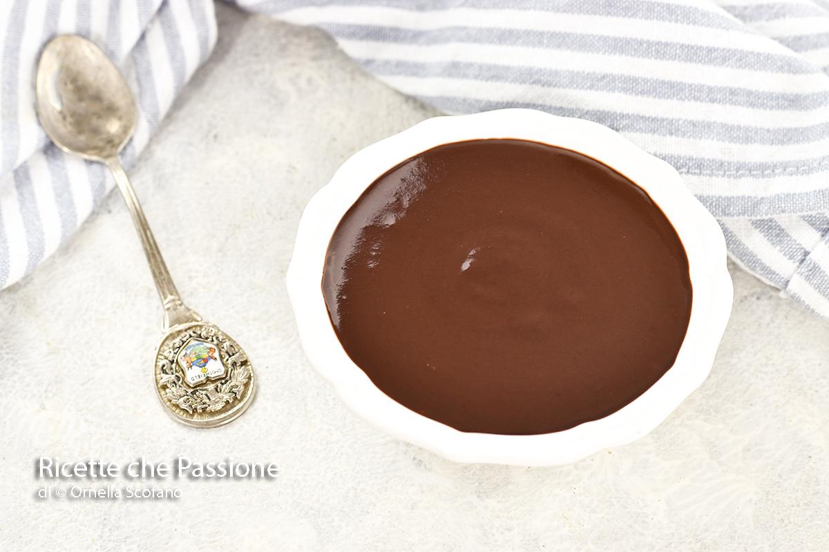 glassa al cioccolato fatta in casa