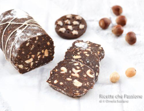 Salame di cioccolato con nocciole senza burro