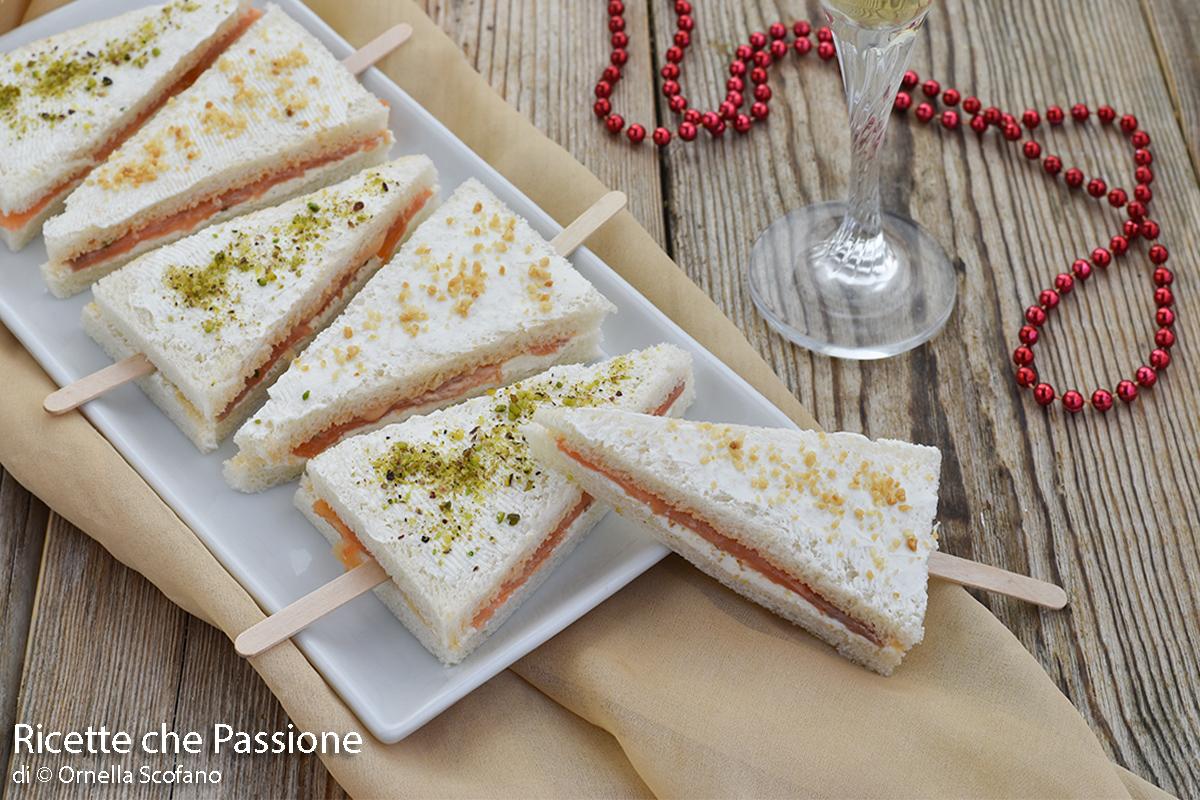 alberelli tramezzino al salmone affumicato e formaggio