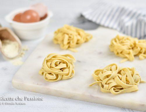 Tagliatelle fatte in casa – pasta fresca all'uovo