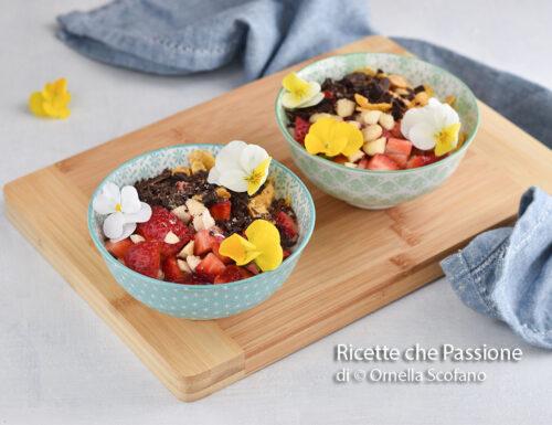 Yogurt bowl con cerali frutta e cioccolato