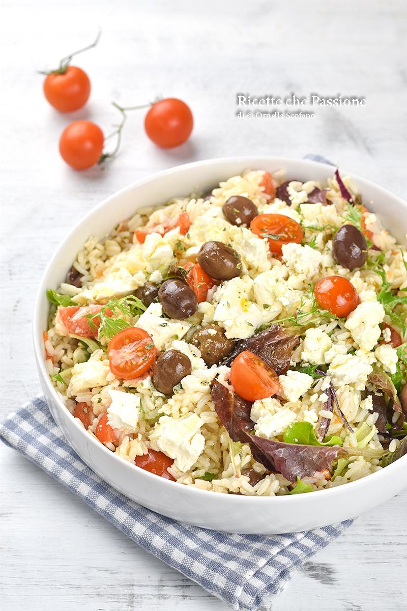 insalata di riso senza condiriso con feta olive e verdure