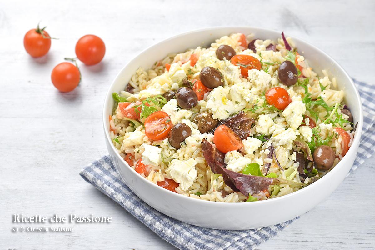 insalata di riso con feta e olive