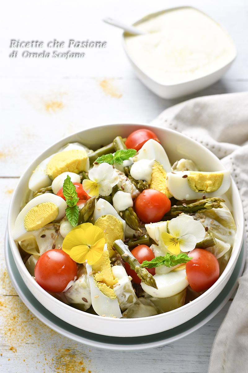 insalata di patate con salsa al curry di yogurt e maionese