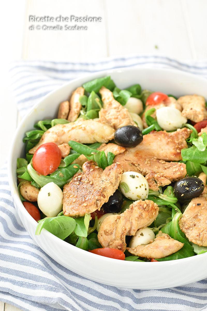 la più gustosa e leggera insalata di pollo