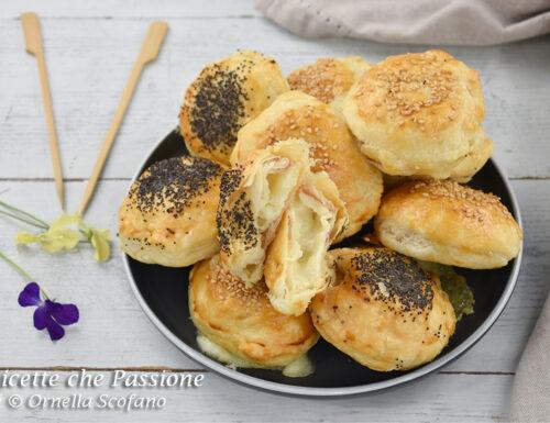 Tomini in crosta di sfoglia con pancetta