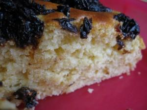 Torta pinoli e prugne secche