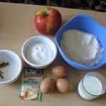 Gli ingredienti per la torta di mele senza burro