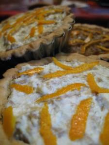 Crostatine semi integrali con crema ai funghi e arance
