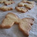 Biscotti di pasta frolla a forma di farfalla